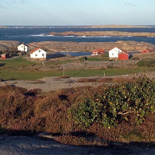 På väg ut mot Källesten, Ramsvikslandet...